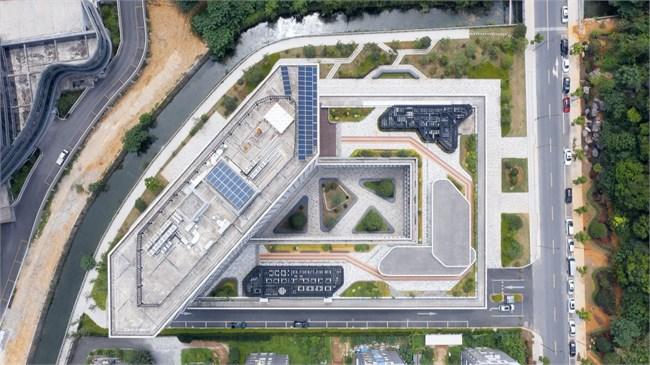 Hangzhou-Tonglu-Archives-Building-BAU-01-A-diagonal-shortcut-reinforces-the-semi-public-nature-of-the-courtyard小.jpg